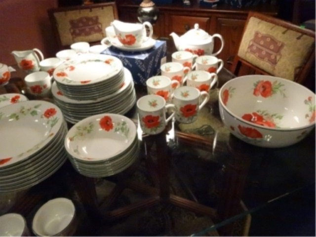 74 PC ROYAL WORCESTER CHINA SERVICE, POPPIES PATTERN, - 7