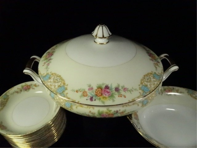 17 PC NORITAKE CHINA, INCLUDES 12 BERRY BOWLS, COVERED - 2