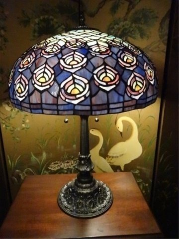 TIFFANY STYLE STAINED LEADED GLASS LAMP, PEACOCK - 2