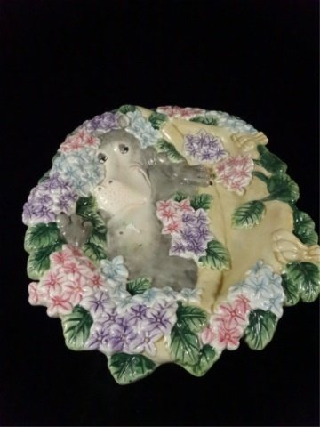 FITZ & FLOYD CERAMIC PLATE, WHIMSICAL HIPPO IN BED OF - 2