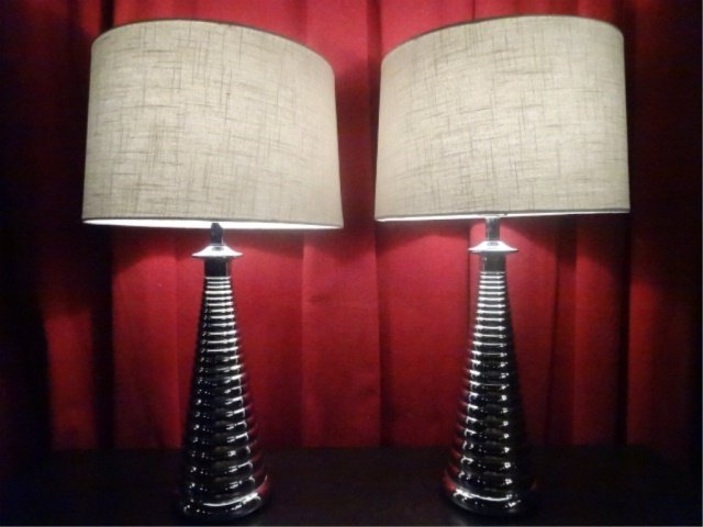 PAIR MODERN DESIGN CHROME LAMPS, RIBBED BASES, DRUM