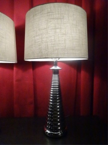 PAIR MODERN DESIGN CHROME LAMPS, RIBBED BASES, DRUM - 4
