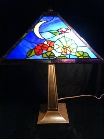 TIFFANY STYLE LEADED GLASS LAMP, SQUARE SHADE WITH
