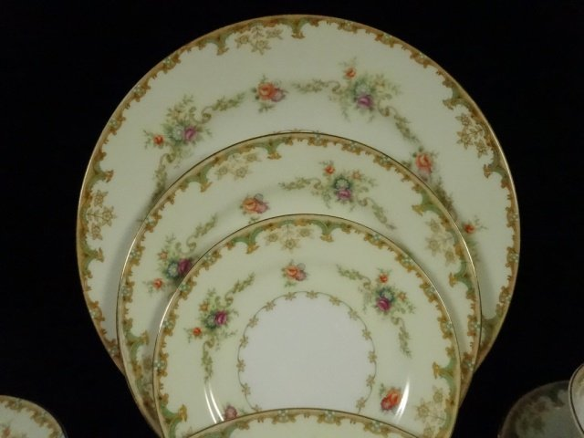 90 PC EMPRESS CHINA SERVICE FOR 12, ROSELLE PATTERN, - 2