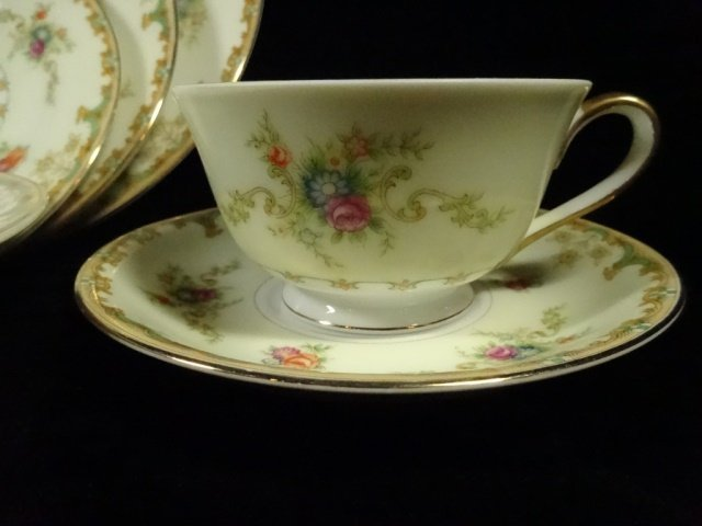 90 PC EMPRESS CHINA SERVICE FOR 12, ROSELLE PATTERN, - 3