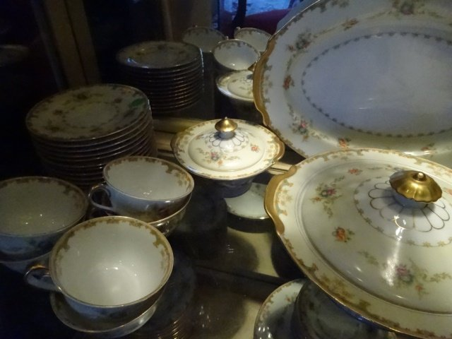90 PC EMPRESS CHINA SERVICE FOR 12, ROSELLE PATTERN, - 6