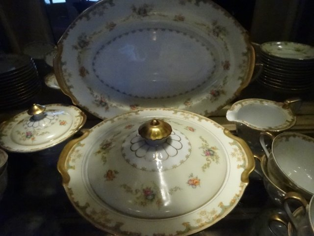 90 PC EMPRESS CHINA SERVICE FOR 12, ROSELLE PATTERN, - 7
