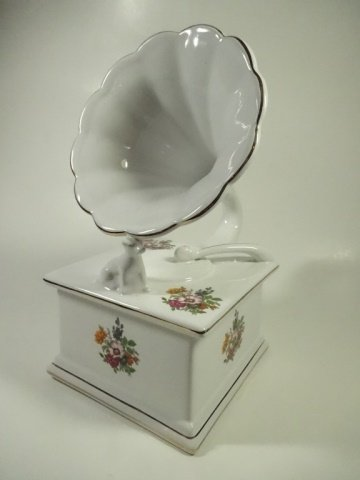 PORCELAIN BOX, VICTROLA / HIS MASTER'S VOICE, WHITE