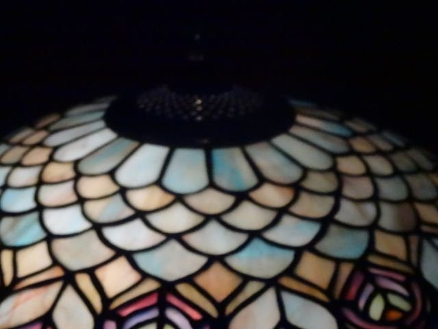 TIFFANY STYLE STAINED LEADED GLASS LAMP, PEACOCK - 5