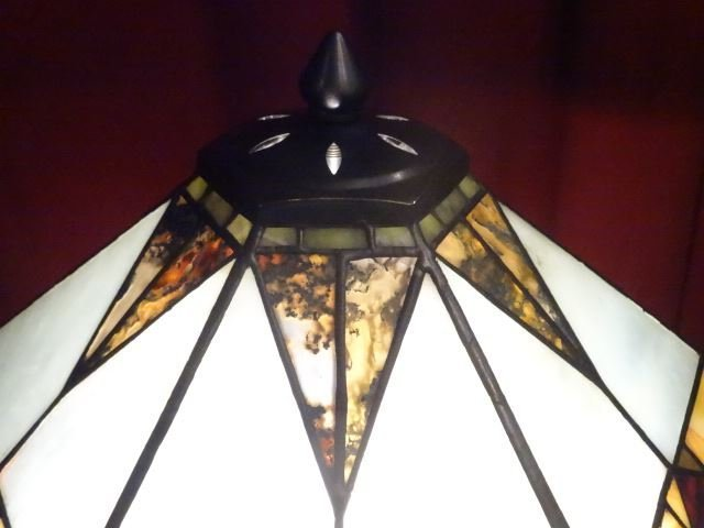 TIFFANY STYLE STAINED LEADED GLASS LAMP, HEXAGONAL - 8