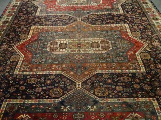 LARGE PERSIAN STYLE WOOL RUG, VERY GOOD CONDITION, - 2