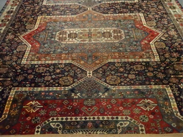 LARGE PERSIAN STYLE WOOL RUG, VERY GOOD CONDITION, - 3