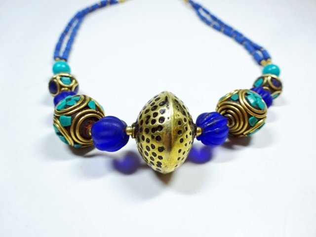 TURQUOISE & LAPIS NECKLACE, WITH BLUE GLASS BEADS, - 2
