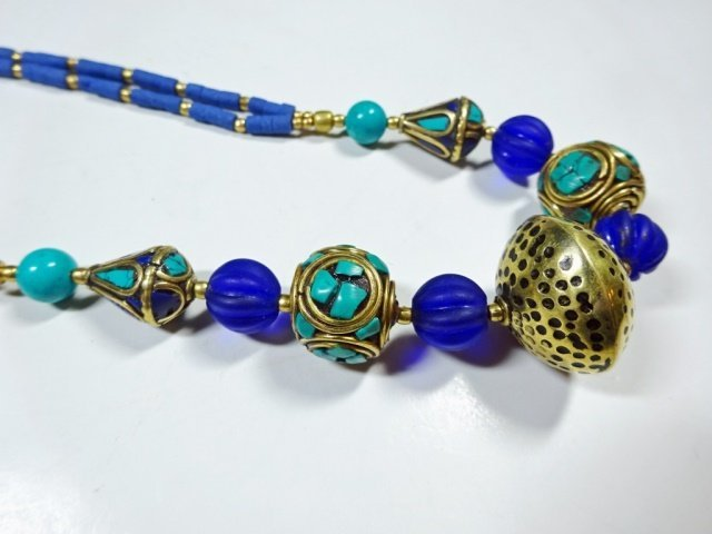 TURQUOISE & LAPIS NECKLACE, WITH BLUE GLASS BEADS, - 5