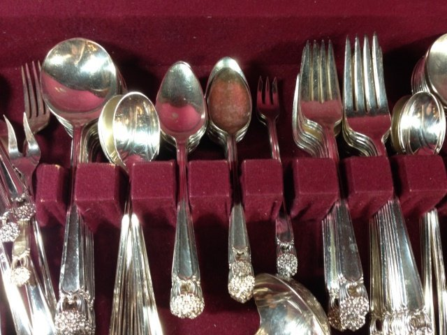 LARGE 1847 ROGERS BROS. FLATWARE SERVICE, ETERNALLY - 4