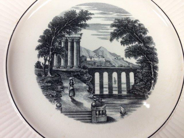 WEDGWOOD ETRURIA PORCELAIN PLATE, ROMAN SCENE, APPROX 9 - 2