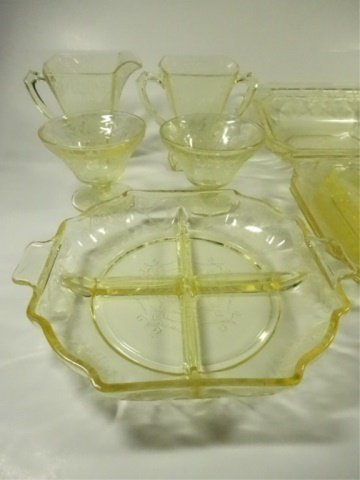 15 PC YELLOW DEPRESSION GLASS, INCLUDES INDIANA GLASS - 6