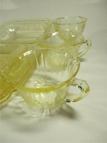 15 PC YELLOW DEPRESSION GLASS, INCLUDES INDIANA GLASS - 8