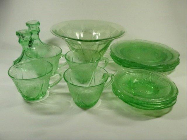 15 PC GREEN DEPRESSION GLASS, INCLUDES HAZEL ATLAS