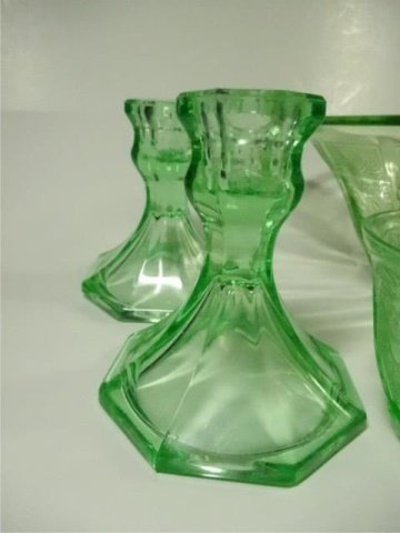 15 PC GREEN DEPRESSION GLASS, INCLUDES HAZEL ATLAS - 6