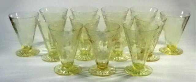 """13 PC YELLOW DEPRESSION GLASS GLASSES (4.75""""H), ANCHOR"""
