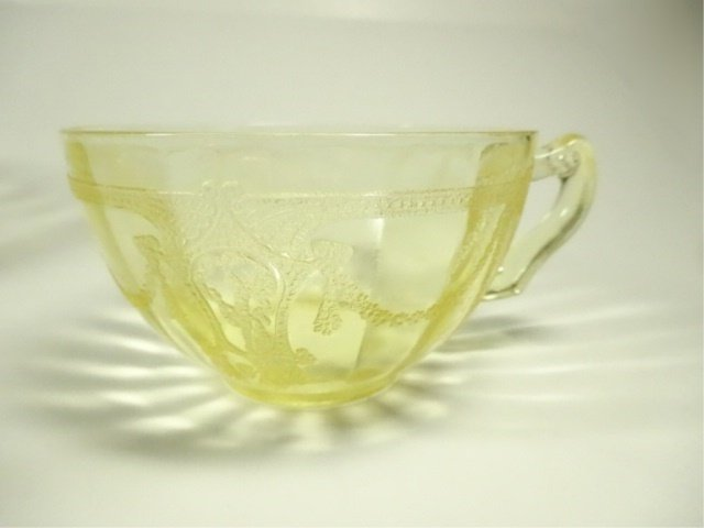 18 PC YELLOW DEPRESSION GLASS CUPS, ANCHOR HOCKING - 3