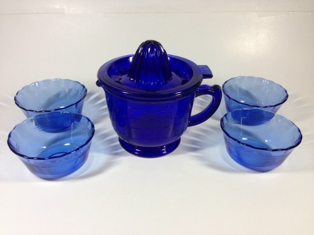 6 PC COBALT BLUE MEASURING & MIXING CUP WITH JUICER TOP