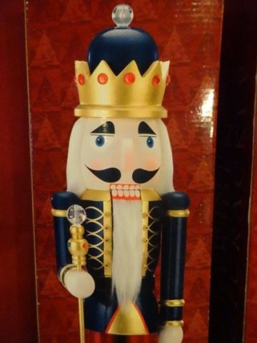 PAIR LARGE CHRISTMAS WOODEN NUTCRACKERS, ONE IN BLUE - 7