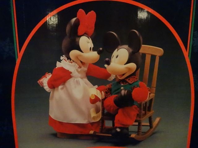 LARGE ANIMATED CHRISTMAS MICKEY MOUSE AND MINNIE MOUSE - 2