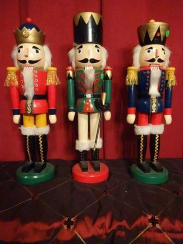"""3 CHRISTMAS WOODEN NUTCRACKERS, LARGEST APPROX 20"""" X - 2"""