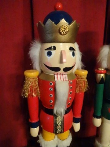 """3 CHRISTMAS WOODEN NUTCRACKERS, LARGEST APPROX 20"""" X - 3"""