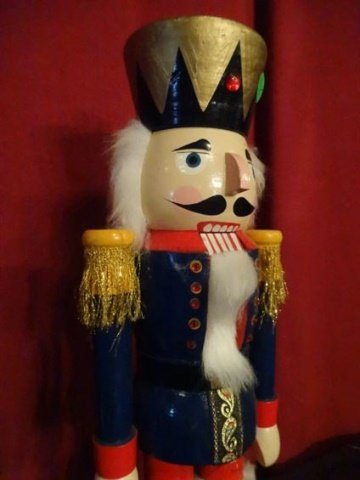 """3 CHRISTMAS WOODEN NUTCRACKERS, LARGEST APPROX 20"""" X - 5"""