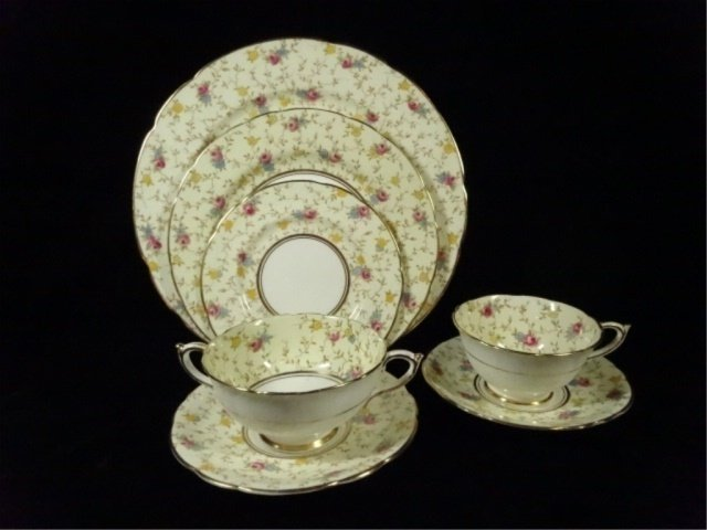 93 PC PARAGON CHINA SERVICE, COMTESSE PATTERN, INCLUDES