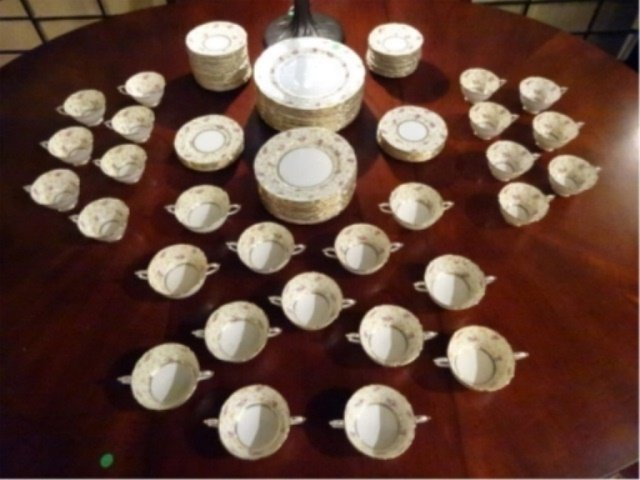 93 PC PARAGON CHINA SERVICE, COMTESSE PATTERN, INCLUDES - 4