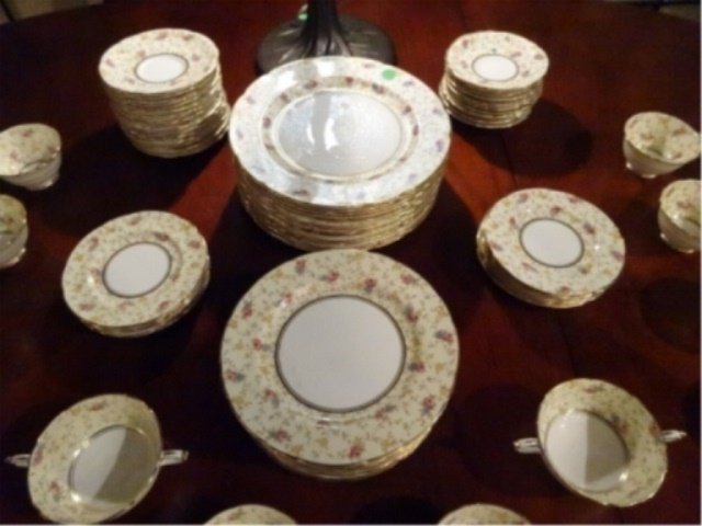 93 PC PARAGON CHINA SERVICE, COMTESSE PATTERN, INCLUDES - 5