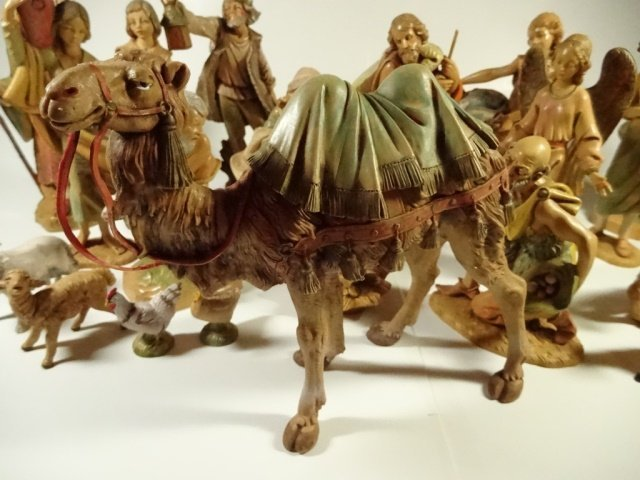 21 PC CHRISTMAS DECOR - ITALIAN NATIVITY FIGURINES, - 9