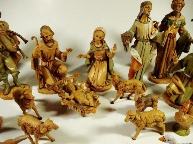 22 PC CHRISTMAS DECOR - ITALIAN NATIVITY FIGURINES, - 2