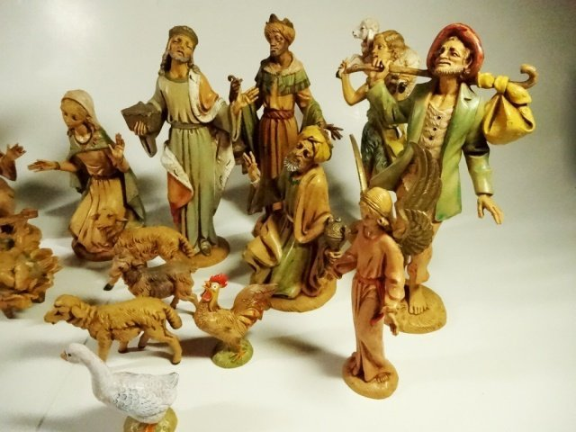 22 PC CHRISTMAS DECOR - ITALIAN NATIVITY FIGURINES, - 3