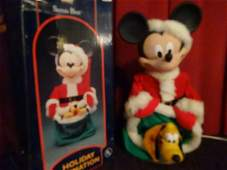 ANIMATED CHRISTMAS MICKEY MOUSE FIGURE, WALT DISNEY, IN