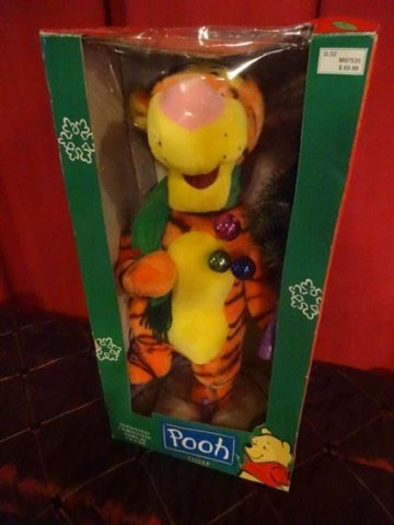 ANIMATED CHRISTMAS TIGGER WINNIE THE POOH FIGURE, IN