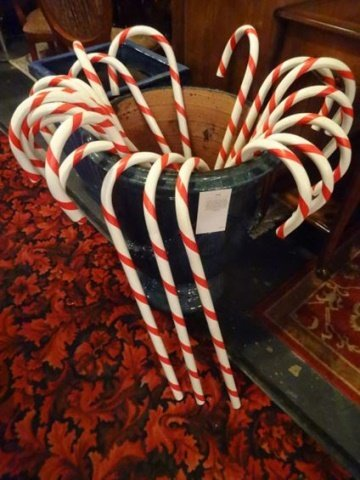 21 LARGE PLASTIC CHRISTMAS CANDY CANES, EACH APPROX 3',