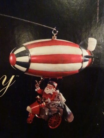 LARGE ANIMATED CHRISTMAS SANTA MOBILE ON ZEPPELIN, IN - 3