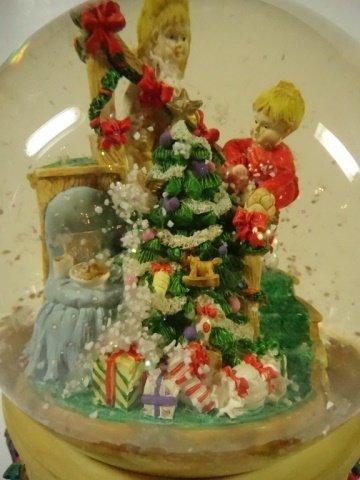 CHRISTMAS DECOR - MUSICAL SNOW GLOBE BY THE SAN - 2