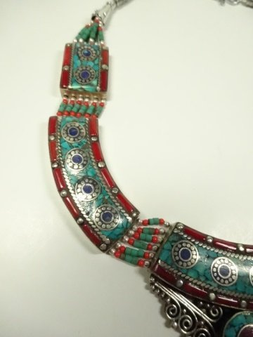 TURQUOISE, LAPIS & CORAL NECKLACE, CHOKER STYLE - 3