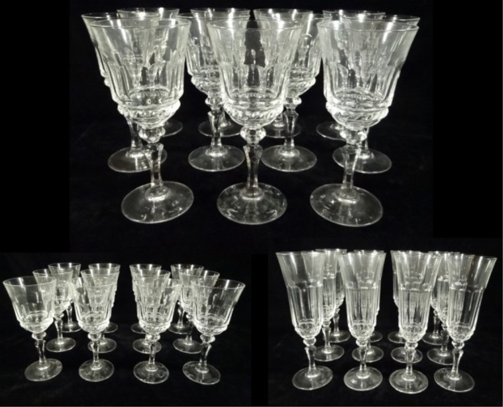 34 PC CRYSTAL STEMWARE, INCLUDES 12 WINE GLASSES APPROX