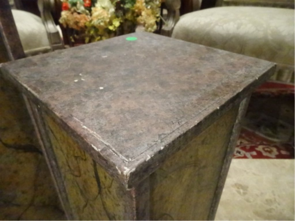 2 PAINTED WOOD PEDESTALS, GOOD CONDITION WITH LIGHT - 4