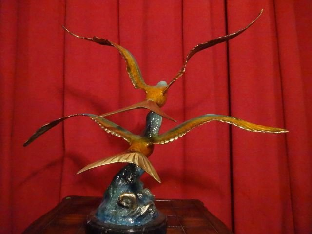LARGE PATINATED BRONZE SCULPTURE, 2 SEAGULLS, ON MARBLE - 6
