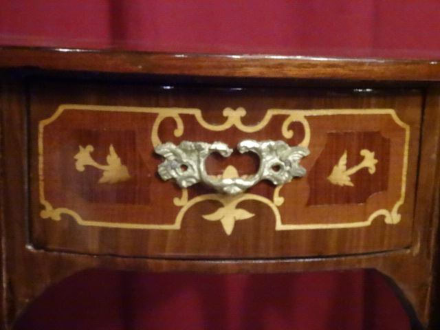 PAIR LOUIS XV STYLE MARQUETRY TABLES. GILT METAL - 5