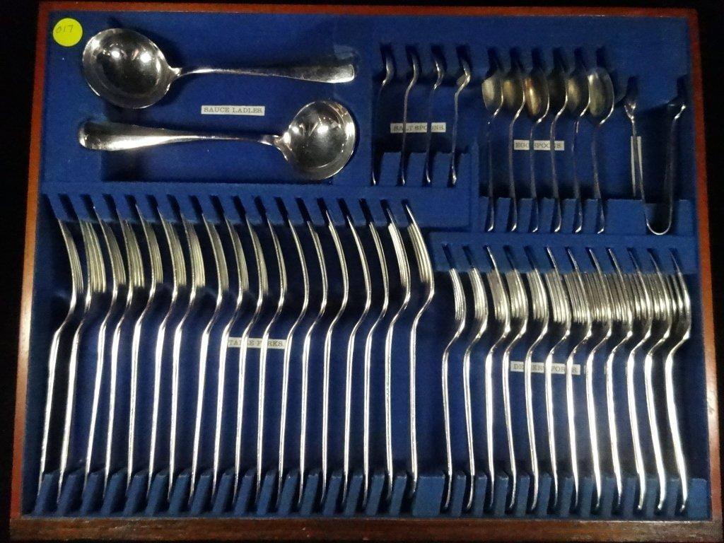 75 PC VINTAGE SILVERPLATE FLATWARE, SINGLE PATTERN,