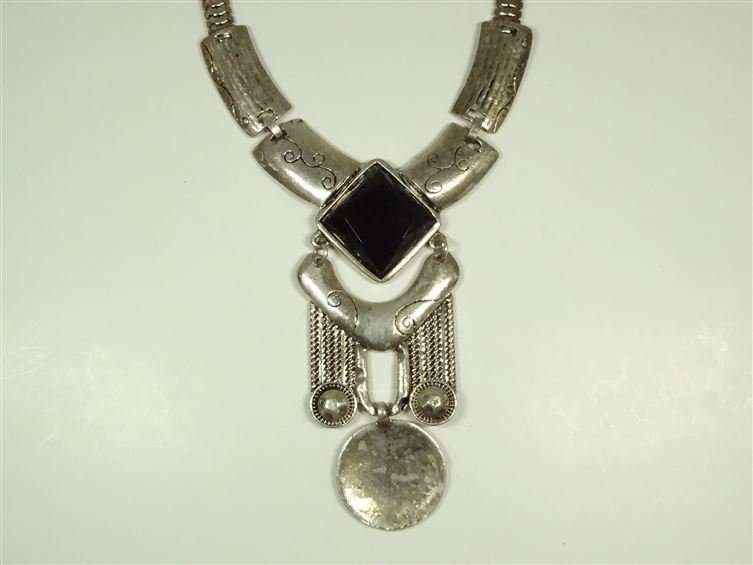 FACETED BLACK GLASS AND METAL NECKLACE, SILVER FINISH - 2